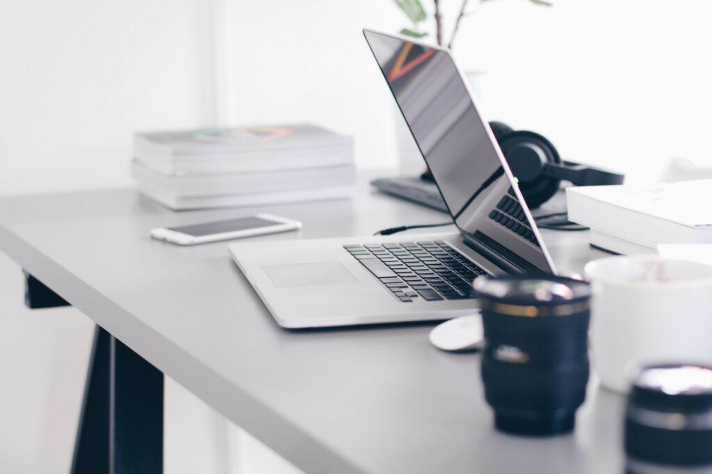 Kvalitnější čas u počítače: ulevte svým zádům a zefektivněte svou práci!